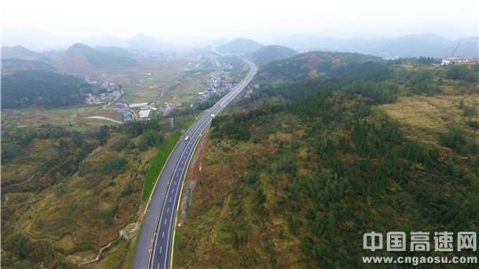 重庆秀松高速公路开通进入倒计时