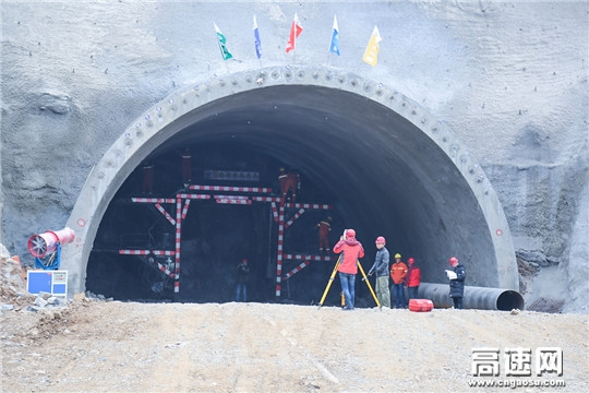 中交一公局三公司济阳高速JYTJ-1标段隧道进入全面施工阶段