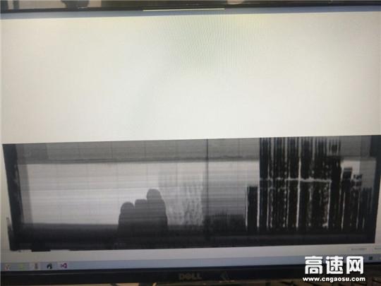 湖北首台辐射透视成像绿通检测设备在葛洲坝高速投入试运行