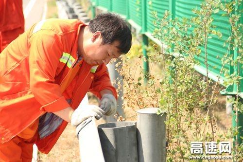 """河北:衡大管理处滏阳养护工区开展""""戮力防汛 安全生产""""养护专项行动"""
