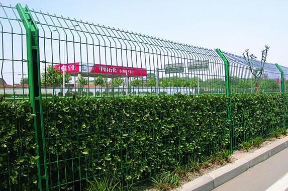 洛宁县公路护栏网 护栏板 高速公路护栏