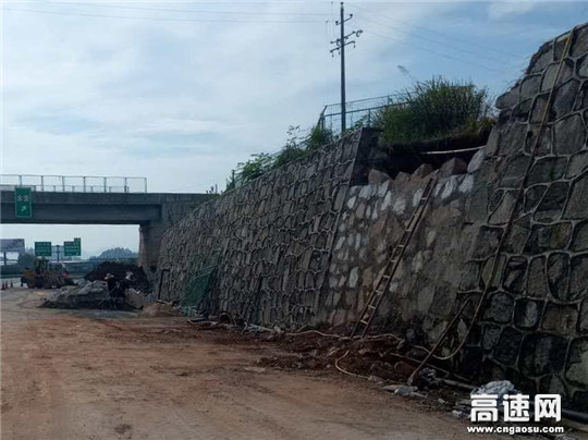 【理事资讯】湖南:现代投资长沙分公司长永养护路产安全管理所大力整修水毁设施