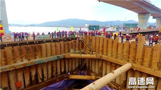金台铁路首次标准化建设观摩会在灵江特大桥顺利召开