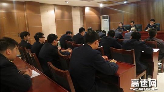甘肃:宝天高速东岔安检大队认真开展违规运输烟花爆竹整治行动