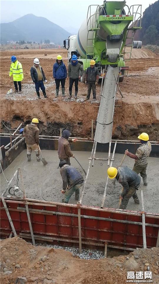 江西:安福县旅游快速通道全力以赴加快桥涵施工进度