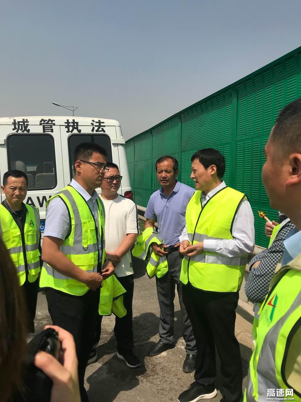 山东:京台济南养护分中心开展声屏障安装施工,努力建设和谐施工环境