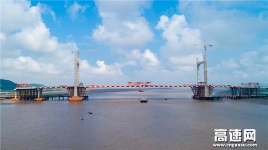 中交一公局甬台温高速复线鳌江特大桥:竞舸争流占鳌头