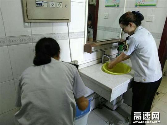 甘肃:白兰高速白银东收费站终于通水了