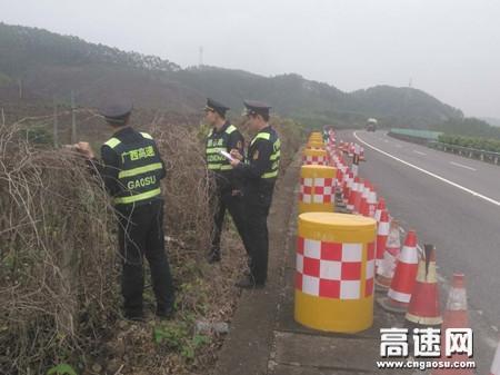 广西高速博白路政大队积极行动紧抓春运节后安全检查