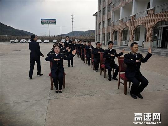 甘肃:庆城所太白主线收费站开展文明服务礼仪培训 提升职工?#28216;?#24418;象