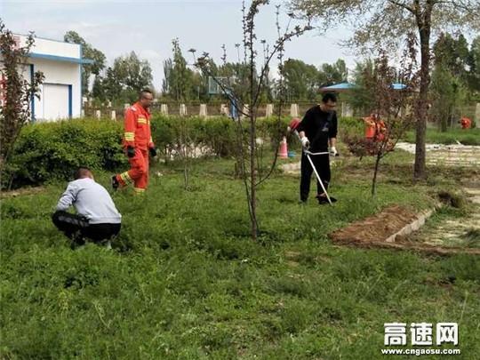 甘肃武威清障救援大队积极开展路域环境工作