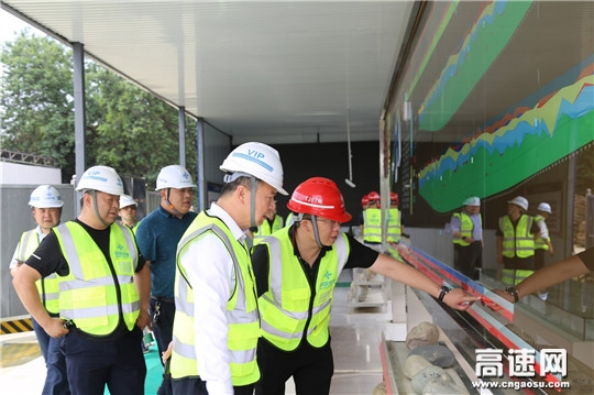 中国交建装备重工事业部张鸿文一行莅临成都地铁17号线TJ07标开展盾构设备安全质量专项督查