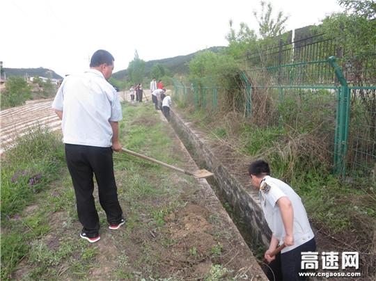 甘肃宝天高速连家砭收费站多措并举加强路域环境综合治理