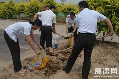 河北(沧廊)京沪姚官屯收费站组织开展防汛应急演练