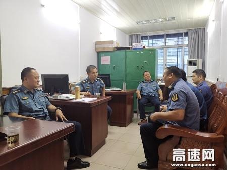 广西玉林高速公路管理处贵港二大队积极走访地方部门,扎实提高联合治超专项整治工作