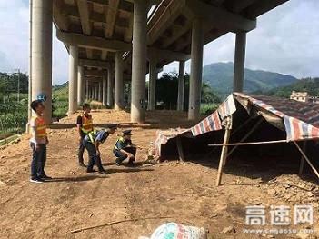 广西玉林高速公路管理处浦北路政大队开展节前安全隐患排查