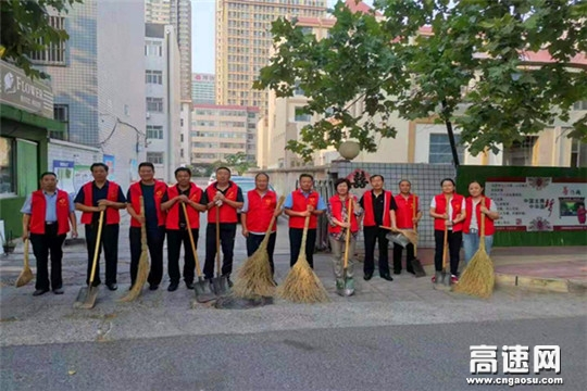 """山东潍坊市交通运输综合执法支队 开展""""双报到""""为民志愿服务活动"""