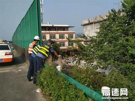 广西玉林高速公路管理处博白大队联合运营公司积极开展震后安全隐患排查