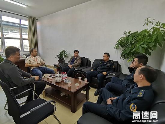 广西南宁高速公路管理处:上林路政执法大队积极走访辖区运营公司开展专项工作座谈会