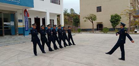 广西玉林高速公路管理处:浦北路政大队开展队列操练