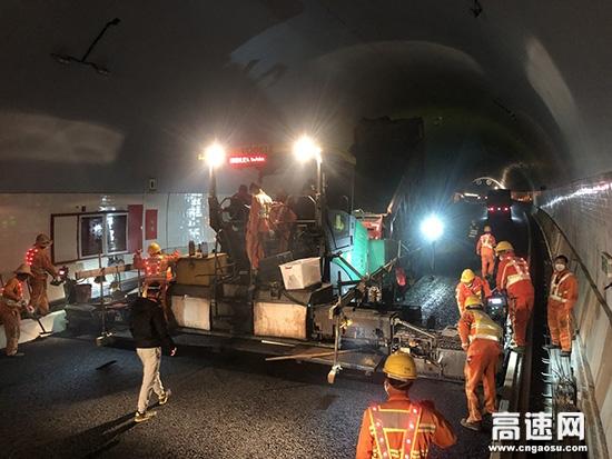 浙江顺畅养护公司丽水项目部顺利完成水腊沥青路面施工