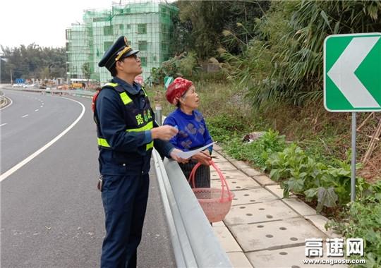 广西柳州高速公路发展中心东兰大队依法制止占用高速公路建筑控制区的违法行为