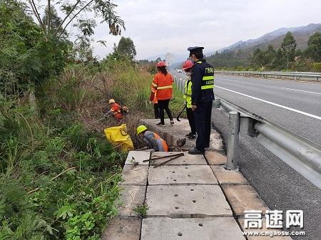 广西高速公路发展中心玉林分中心平南大队做好复工疫情防控宣传工作