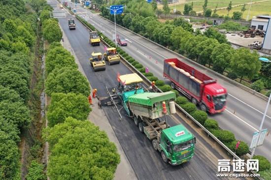 信息化管控 集约化作业 无人机操作...刷新公路养护新模式