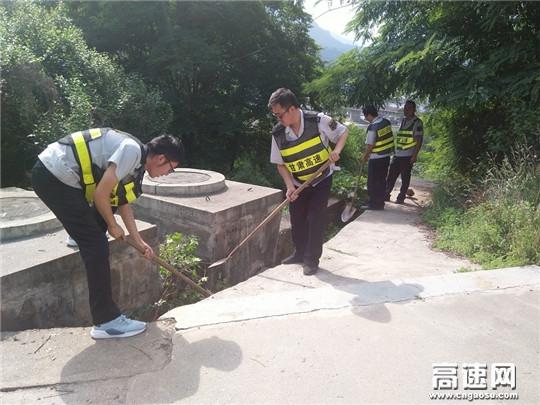 甘肃省宝天高速东岔安检大队强化措施抓防汛保畅通
