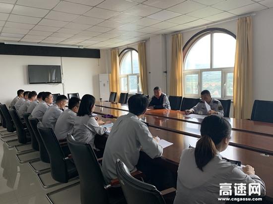 甘肃高速庆城所五举措全力以赴做好防汛抢险车辆快速通行工作