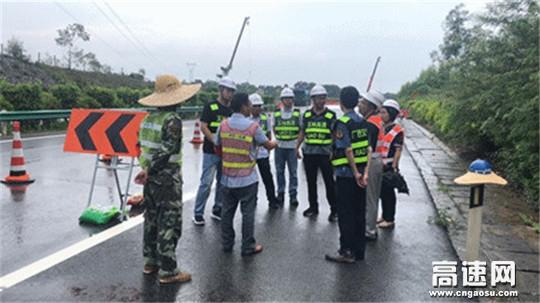 迎国检――广西高速公路发展中心玉林分中心博白路政执法大队一直在行动