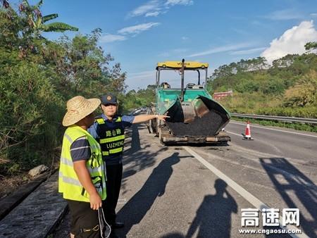 广西玉林高速公路藤县大队开展道路施工安全检查