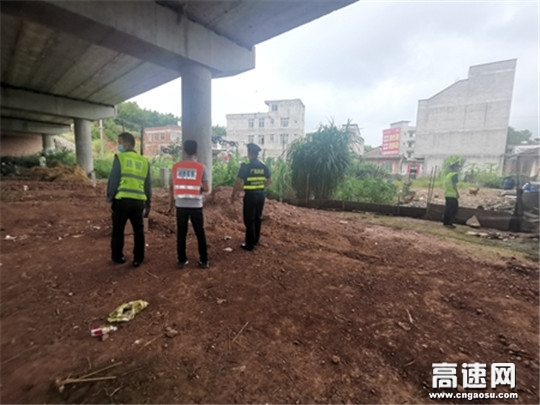 广西高速公路发展中心玉林分中心藤县大队扎实开展桥梁安全检查工作
