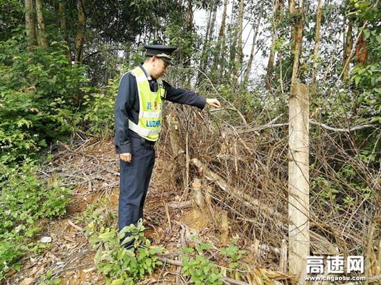 广西南宁高速公路崇左路政执法大队开展桥梁隐患排查 确保高速路行车安全
