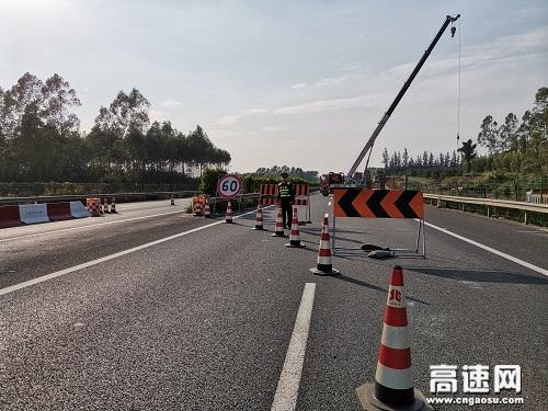 广西玉林高速公路合浦路政大队开展路容路貌及涉路施工安全检查