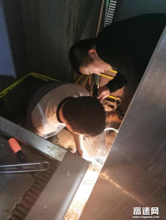 河北�胬龋�京��)分公司木�T店收�M站 安全排除查�[患工作