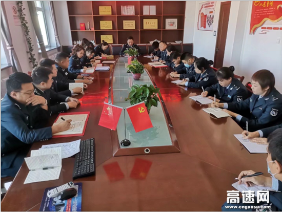 内蒙古阿荣旗北通行费收费所进一步推进治理超限超载工作常态化