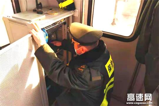 河北保沧公司韩村收费站设备管养确保畅通