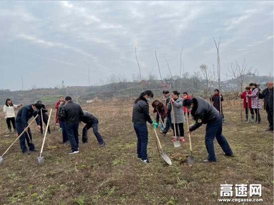 湖北汉十支队第二大队党支部积极参加王家河社区全民义务植树活动