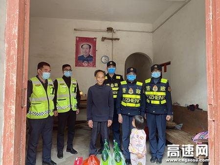 """广西玉林高速公路藤县大队党支部联合开展""""学雷锋""""志愿活动"""