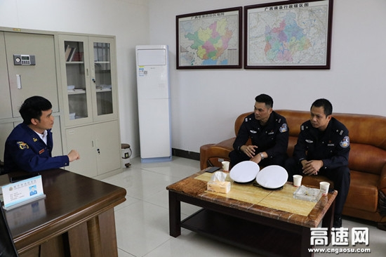 广西高速交警十三大队走访横州市消防大队共商突发事件应急保畅联动工作