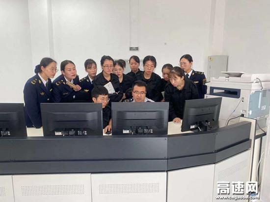 甘肃高速平凉收费所深入开展监控业务培训