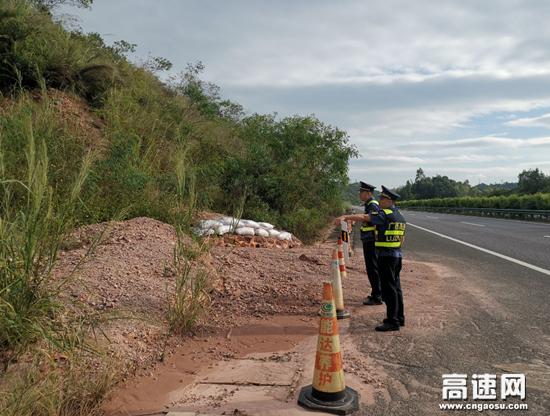 """广西玉林路政执法大队全力做好抗击台风""""圆规""""的准备"""